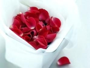 Лепистки роз